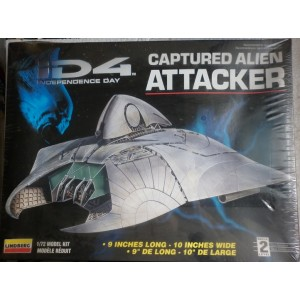 Lindberg Independence Day Captured Alien Attacker model kit 1996