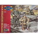 Revell WWII German armoured infantry soldiers 1/35
